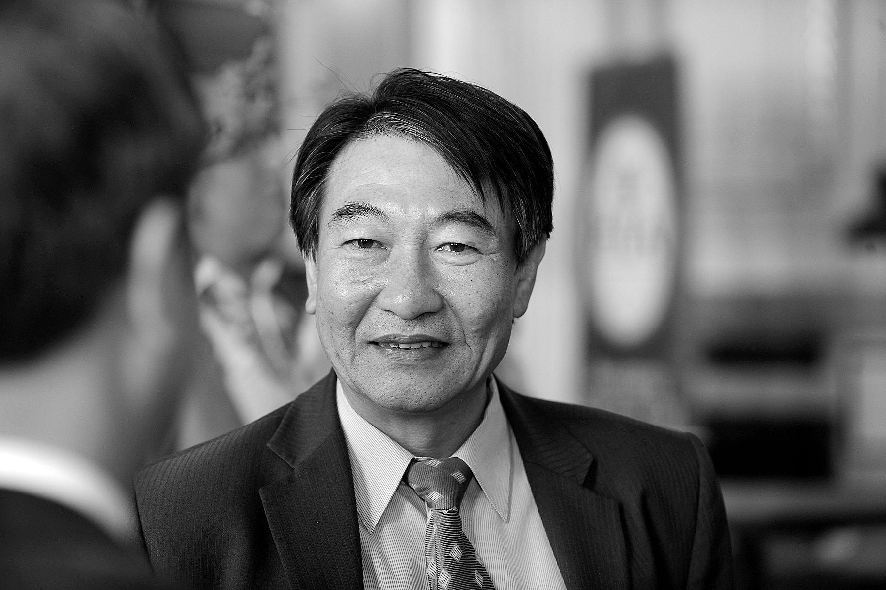 Mr Kevin Chung